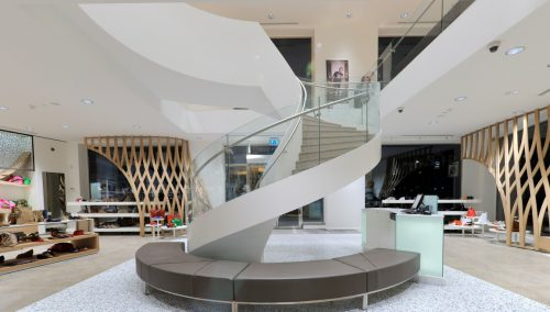 Shuz, Retail design shoe concept store