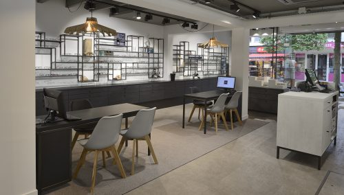 Trendy shopdesign for Beeks Oog en Oor te 's-Gravenzande