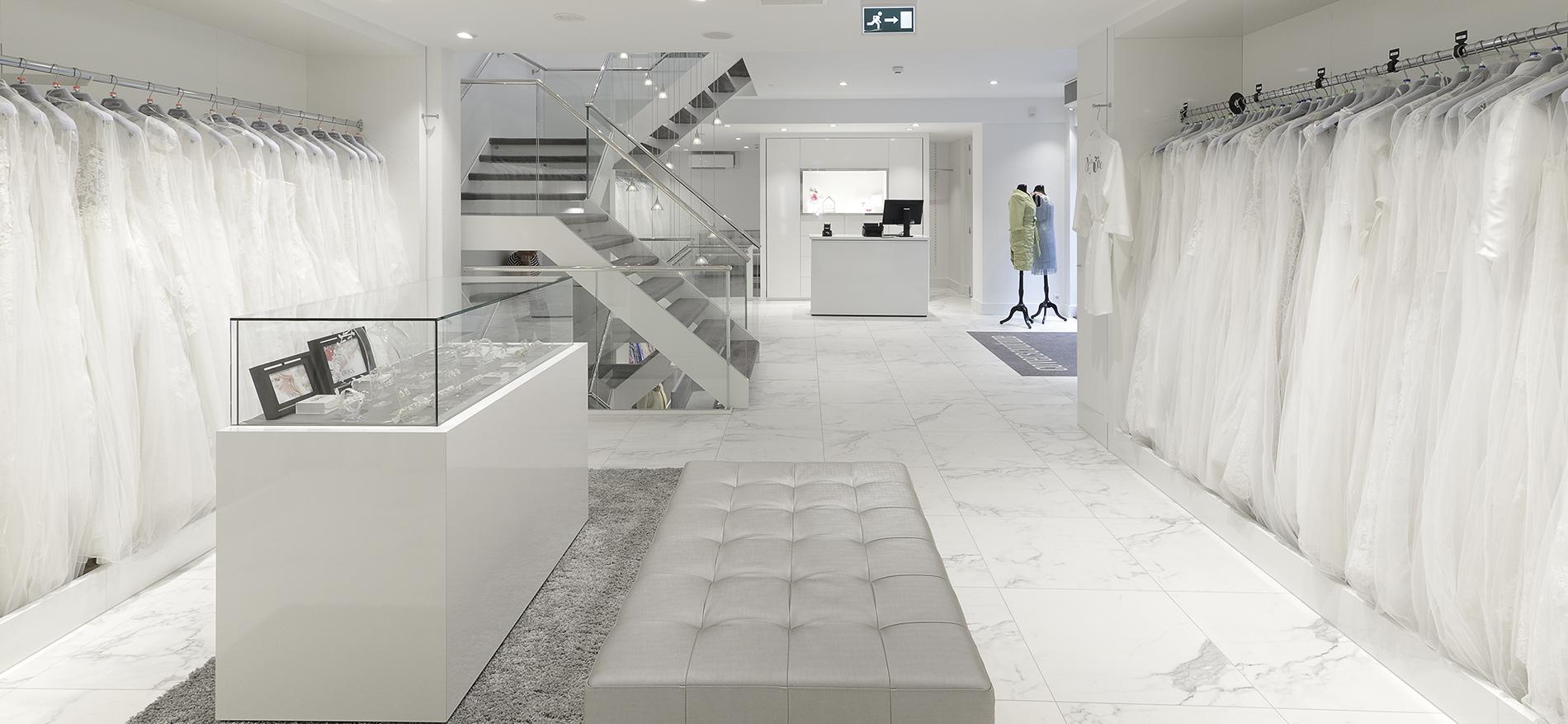 Covers Couture Utrecht Bridal Shop Interior