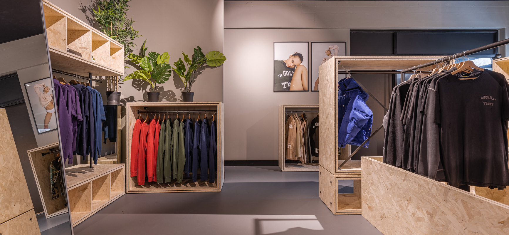 In Gold We Trust | Experience Centre | inrichting showroom mode