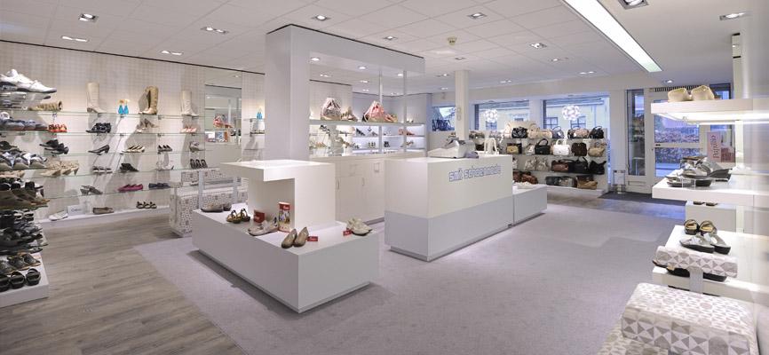 Smit Schoenen > interieur schoenenwinkel. Design en realisatie door WSB