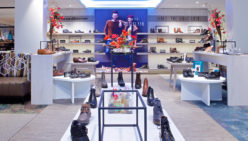 van den Mosselaar Schoenen | Bovenkarspel: Wonderful shop renovation