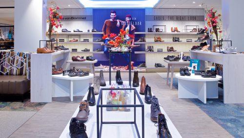 van den Mosselaar Schoenen | Bovenkarspel: Wonderful shop renovation